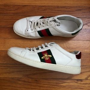 💚SALE💚 Gucci Bee Ace Embroidered Sneakers (Men)
